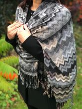 GREY MULTI-COLOUR ZIG ZAG / CHEVRON PRINT SHAWL SCARF