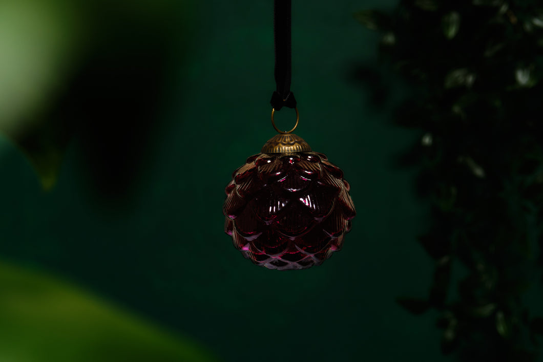 Red Glass Scalloped Bauble