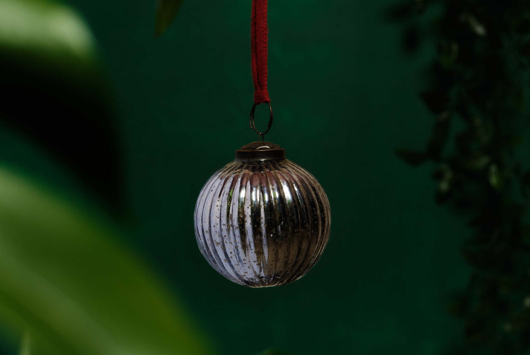 Silver Glass Ribbed Bauble