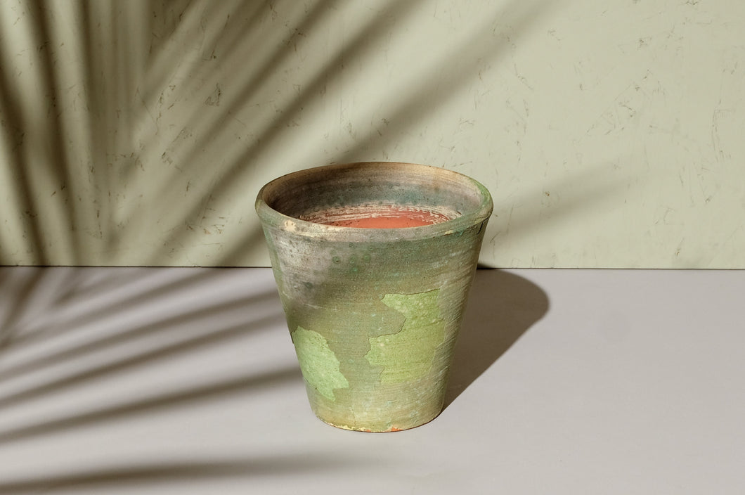 Light Green Weathered Pot - Dia: 17cm