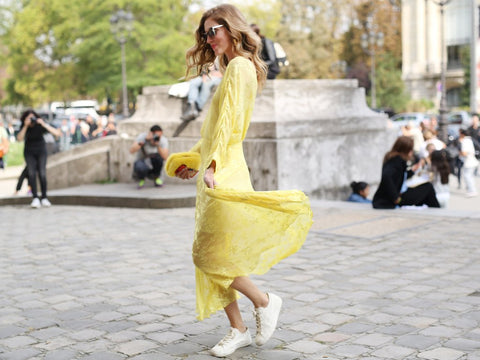 yellow maxi dress white sneaker