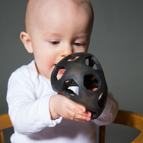 Star Teething & Grasping Ball (Charcoal Black)