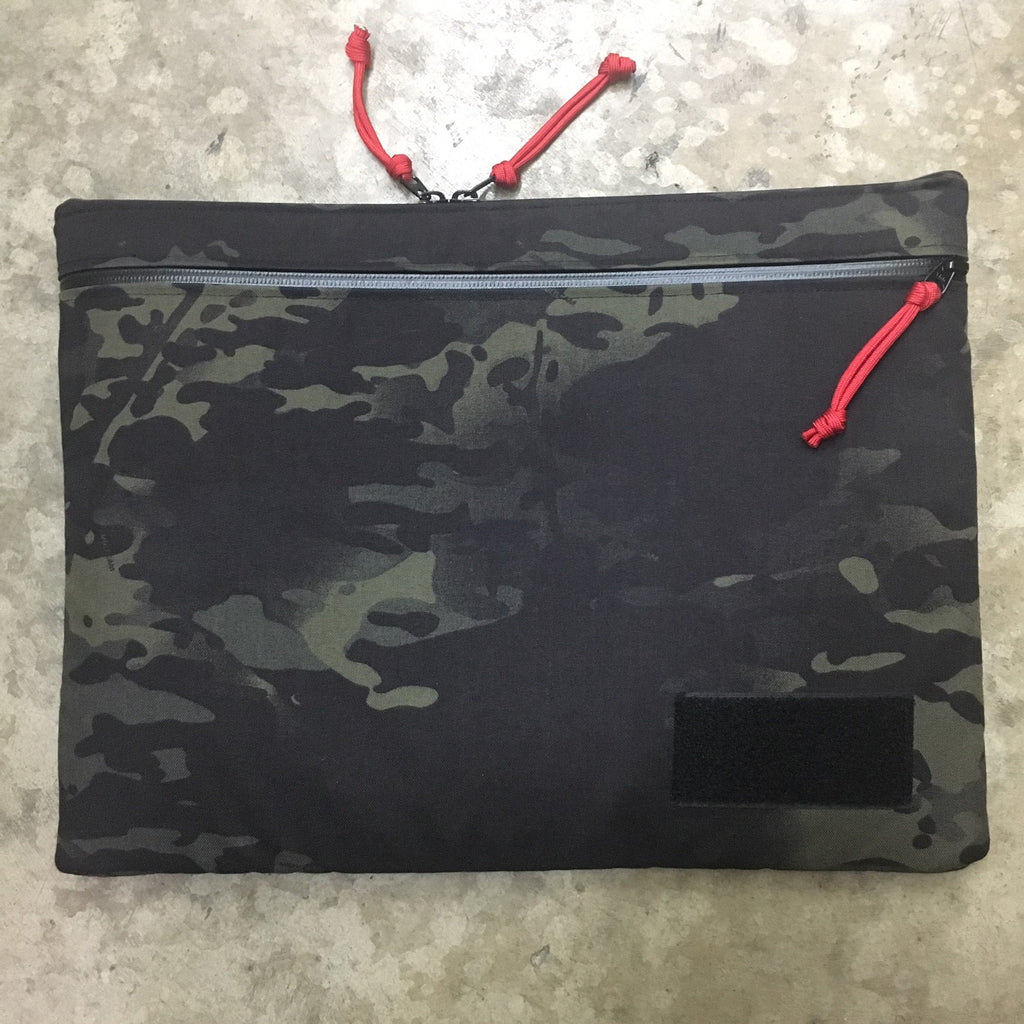 "TACTICAL LAPTOP SLEEVE 15.6"" - 500D CORDURA (MULTICAM BLACK)"