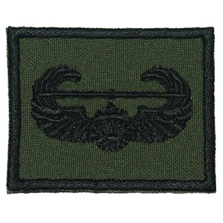 US AIR ASSAULT BADGE - OD GREEN