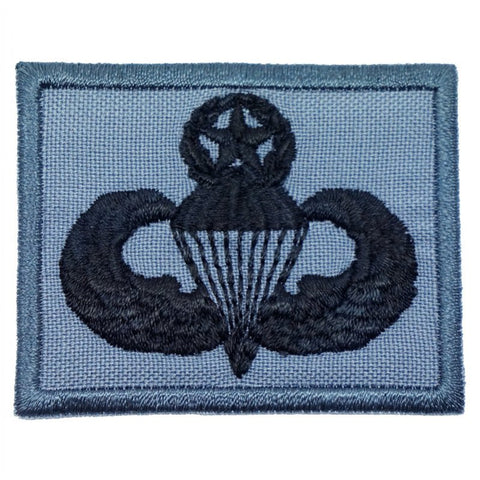 US MASTER PARACHUTIST BADGE - GREY