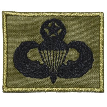 US MASTER PARACHUTIST BADGE - OLIVE GREEN