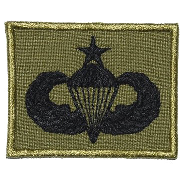 US SENIOR PARACHUTIST BADGE - OLIVE GREEN