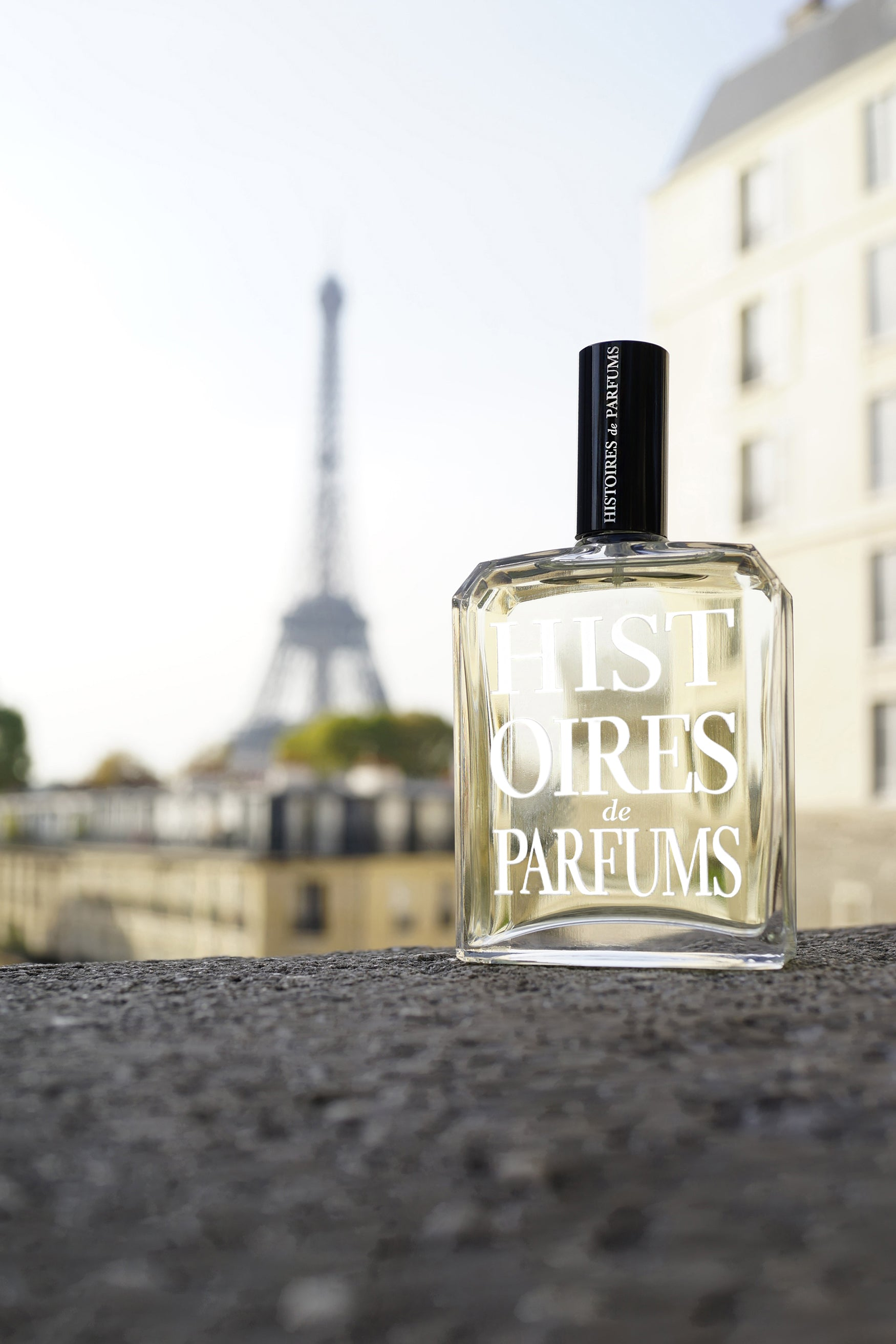 The construction of the Eiffel tower - Histoires de Parfums