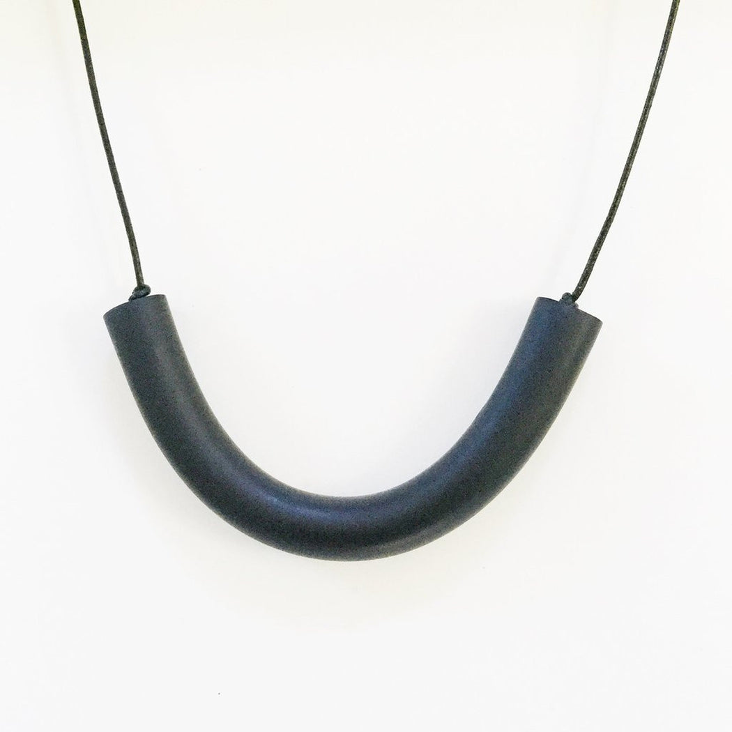 Matte Bar Necklace