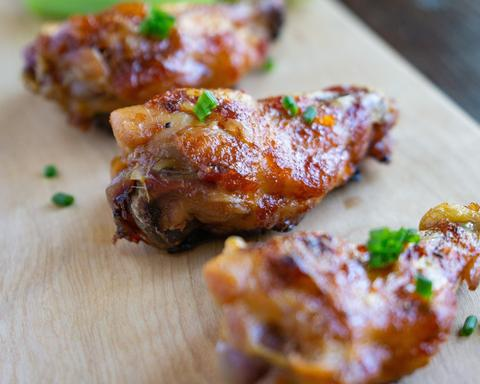 Spicy & Sweet Bacon Chicken Wings