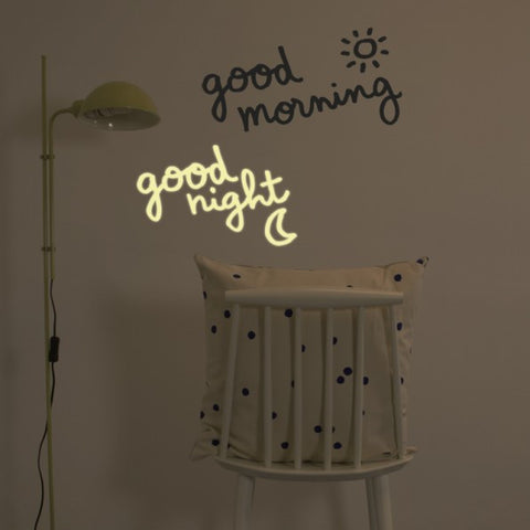 Glow in the dark Muursticker / Good Morning & Good Night