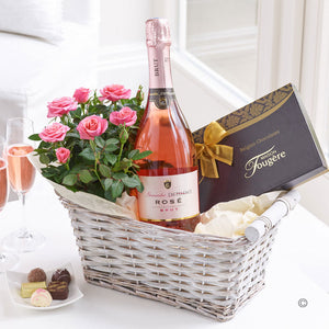 Luxury Sparkling Rose Wine Gift Basket