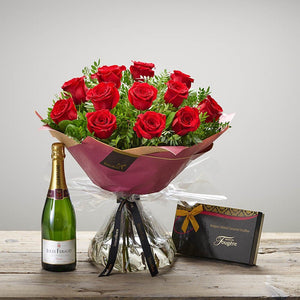 Passionate Rose Gift Set - Abi's Arrangements Ltd
