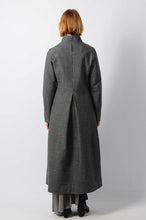 Center Back Pleated Herringbone Coat - lumenetumbra