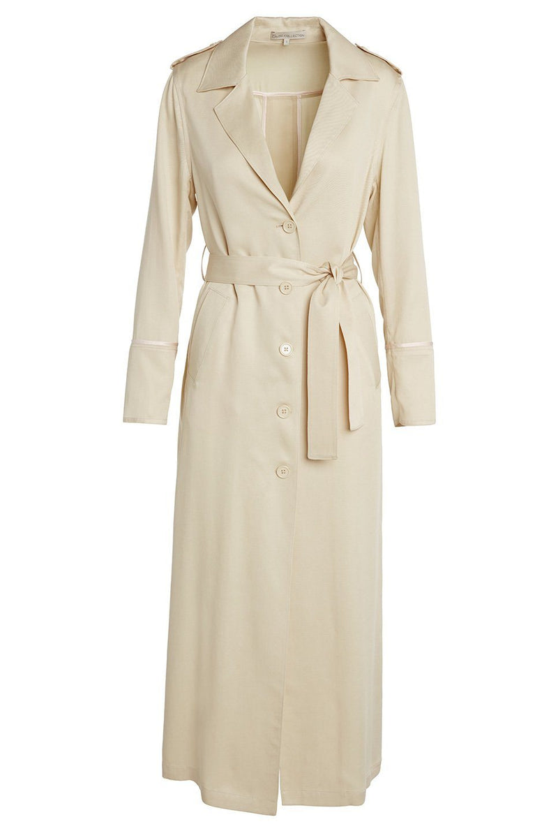 A women's lightweight trench coat in latte on a white background.