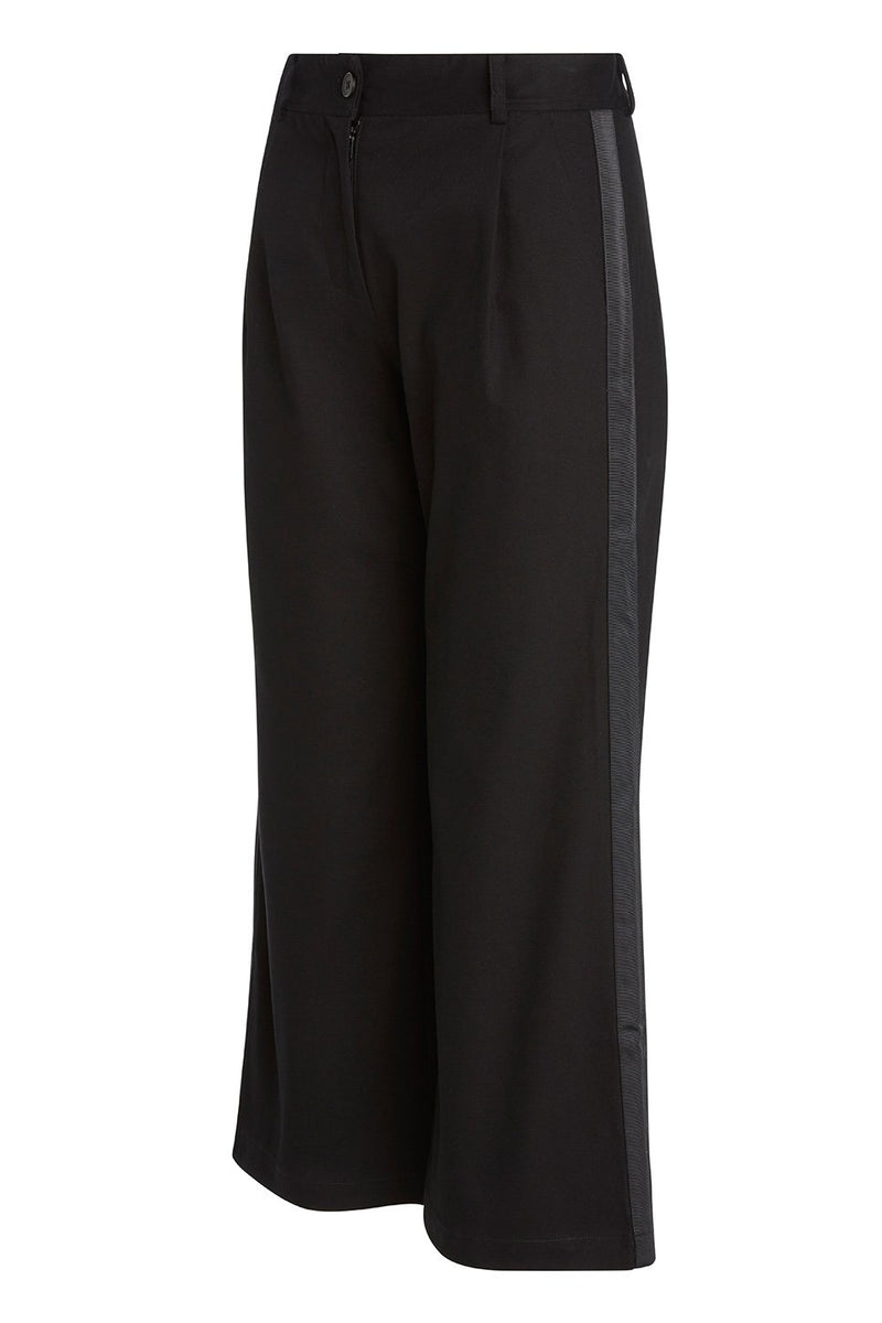 A ladies flared and cropped cotton pant in black with side stripe and back pocket ribbon detailing.