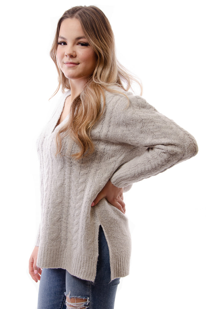 Cable Vee Sweater - GRY