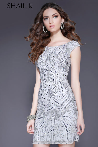 Scoop Neck Body Hugging Embellished Cocktail Dress 3234