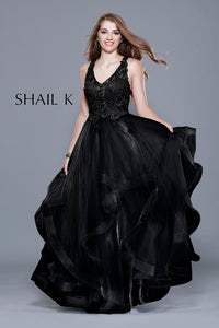 V-Neck Sleeveless Embellished Black Fit To Flare Style Prom Dress 33906