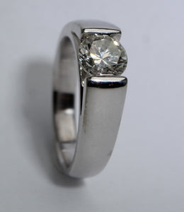 14 Karat White Gold Clarity K size 8