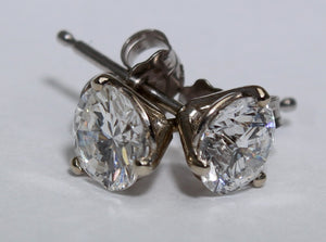 14 Karat white gold 1 carat Diamond Martini stud