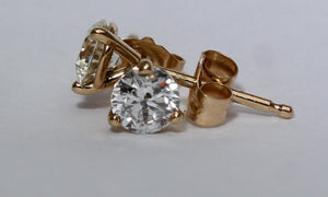 14 Karat .50 tw diamond stud Earring