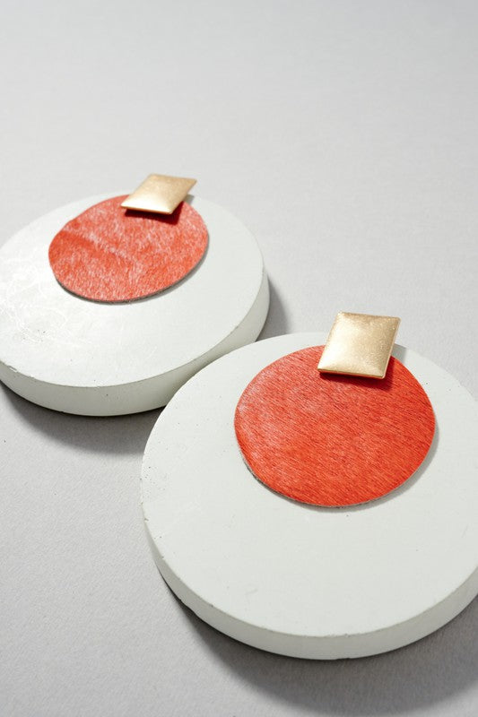 Round leather earrings