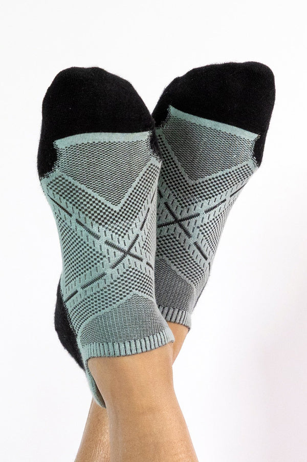 Bamboo Ankle Socks | Black Aqua