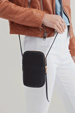 Fate Leather Crossbody | Black