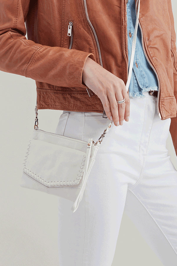 Stroll Leather Crossbody Bag | Latte