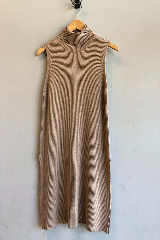 Pearlie Sleeveless Turtleneck Top