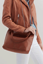 Pier Leather Large Crossbody | Toffee
