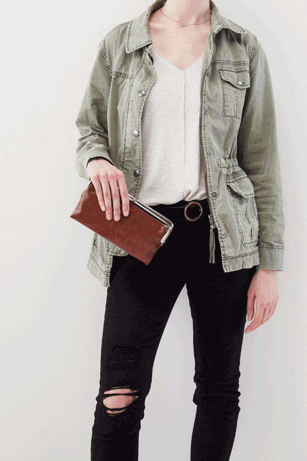 Lauren Clutch Wallet | Woodlands