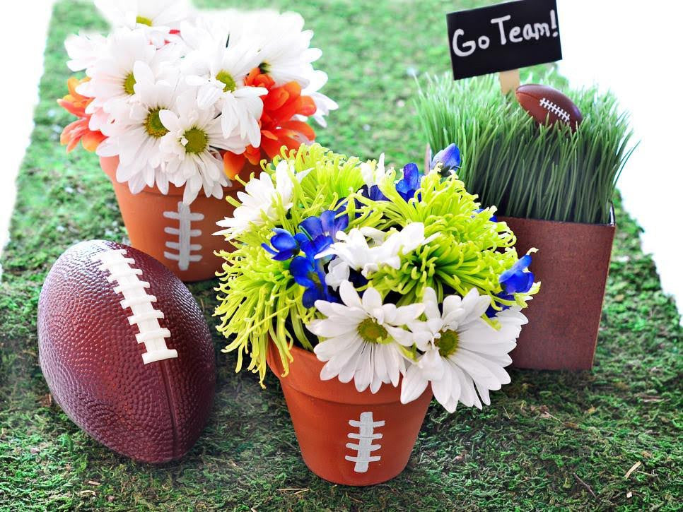 CLEVER WAYS TO DESIGN WITH FLOWERS FOR THE SUPER BOWL