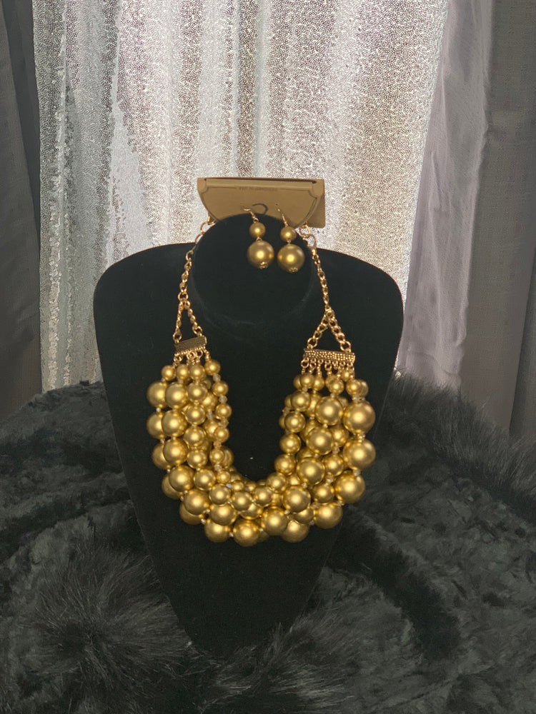 Chain pearl necklace and earrings set