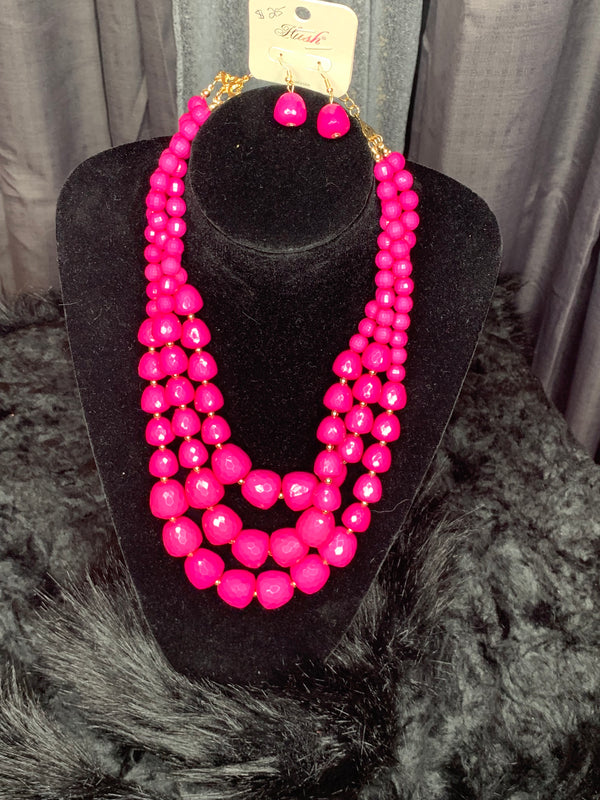 Diva necklace and earrings set