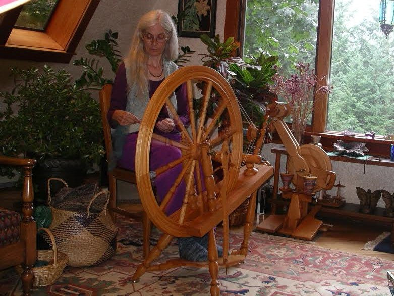 Long draw spinning class. Friday(s) October 11th and 18th 10am-1pm.