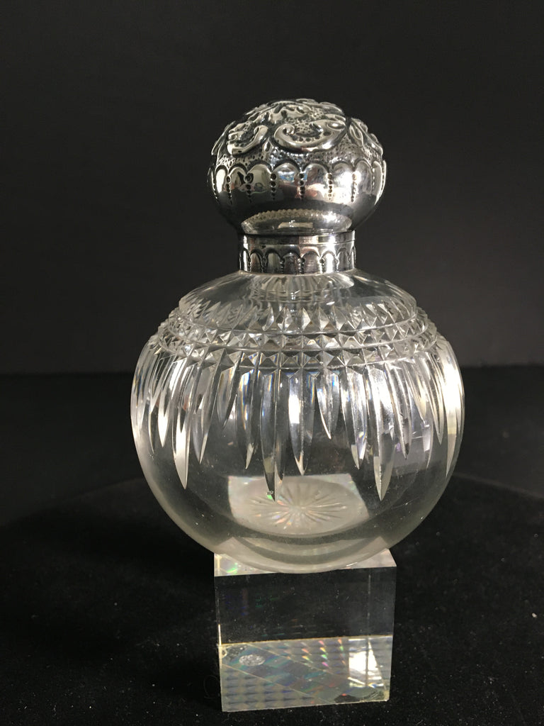 Gorgeous Crystal Perfume Bottle by John Grinsell & Sons c. 1901