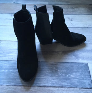 Boutique Bootie size 10