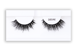 Petite Cosmetics Desire false lashes product tray packaging