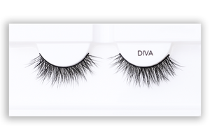 Petite Cosmetics Diva false lashes product tray packaging