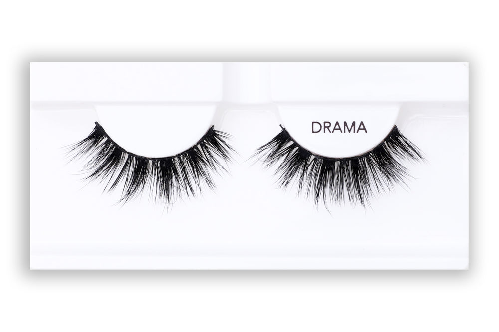 Petite Cosmetics Drama false lashes product tray packaging