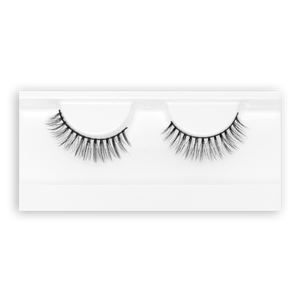Petite Cosmetics Empress false lashes product tray packaging