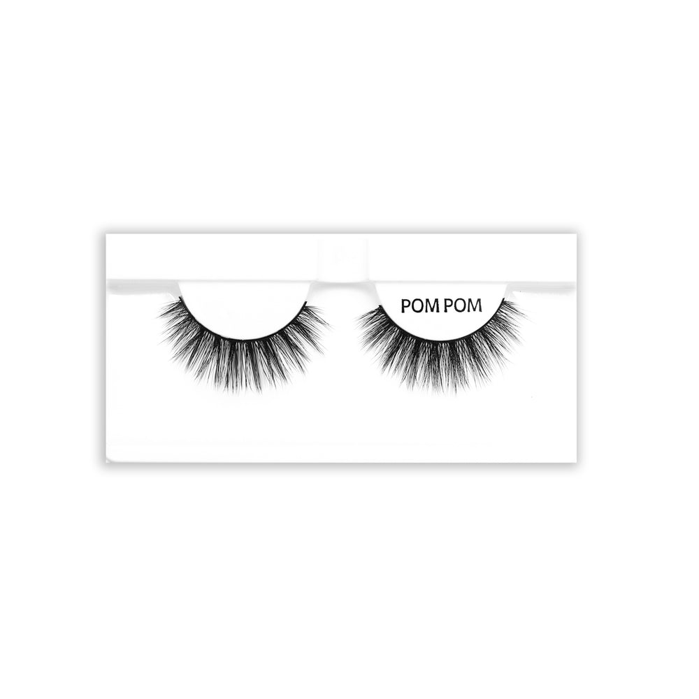 Petite Cosmetics Pom Pom false lashes tray packaging