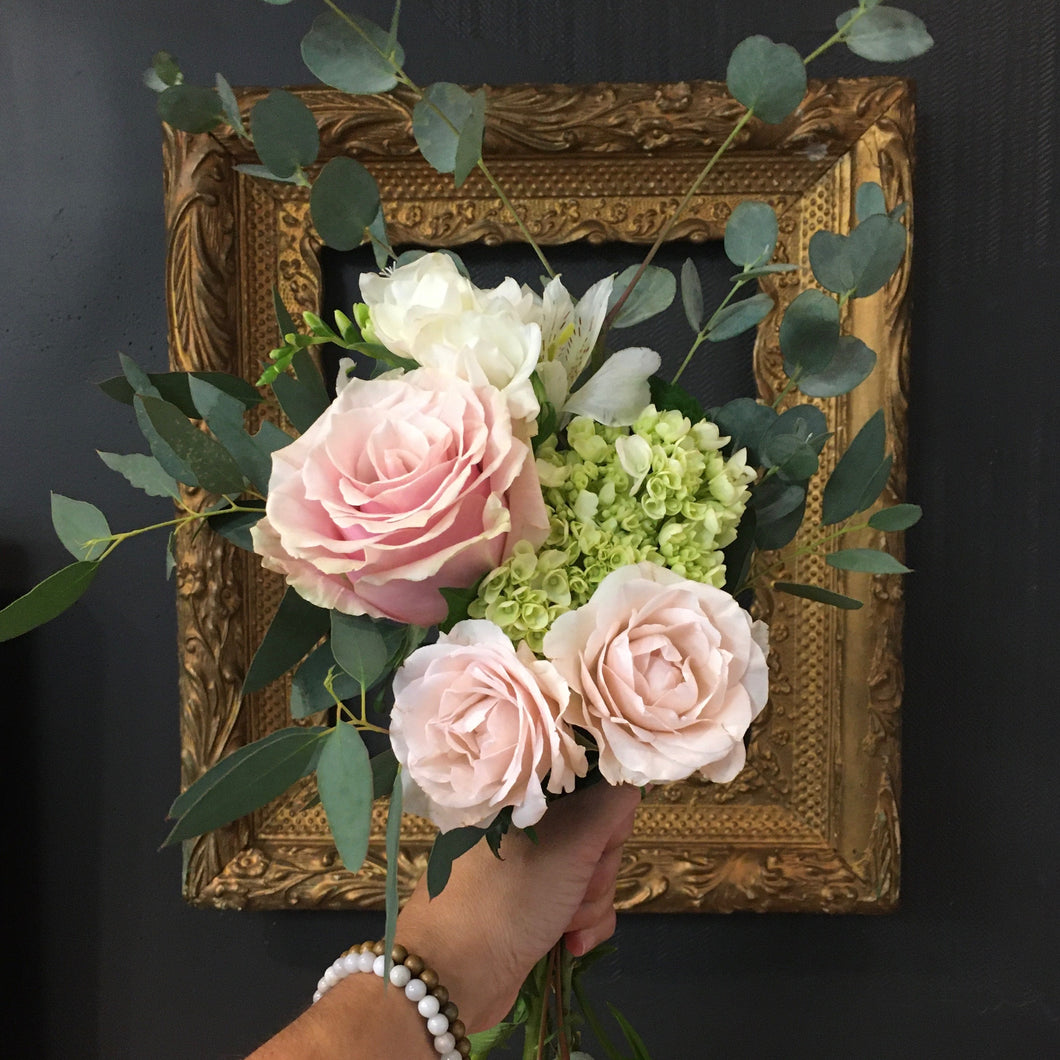 Seasonal Hand Held Bouquet - Small Size