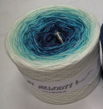 forever_wolltraum_white_blue_yarn