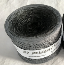 in_the_shadows_wolltraum_grey_gray_black_gradient_yarn