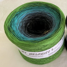 jungle_wolltraum_green_turquoise_teal_black_ombre_yarn