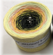 lemon_tree_wolltraum_vanilla_cream_creme_peach_black_ombre_yarn