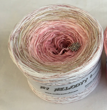 let_it_snow_wolltraum_glitter_pink_tan_beige_white_gradient_yarn